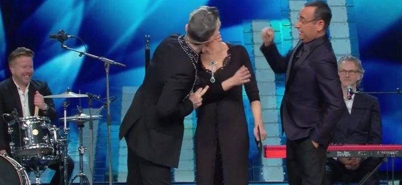 robbie williams bacio de filippi