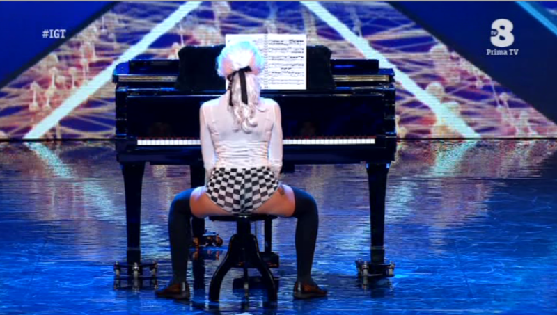 Federica La Pondi Spaccatrosi italias got talent