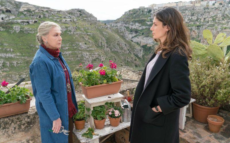 Sorelle, Chiara viene aggredita (anticipazioni puntata del 30 marzo)