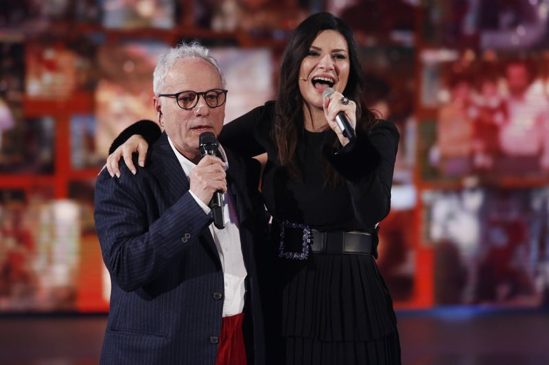 laura pausini e suo pap fabrizio xmas house party