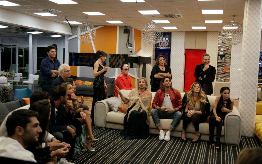 Gf vip 2 anticipazioni seconda puntata e nuove dinamiche for Arredi casa grande fratello 2017