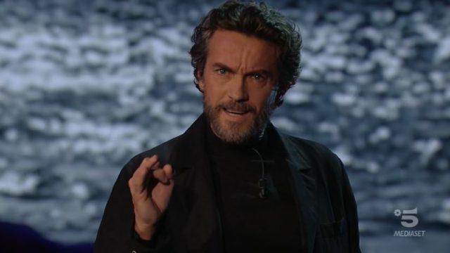 Adrian diretta 14 novembre - L'episodio di questa sera, presentato da Alessio Boni