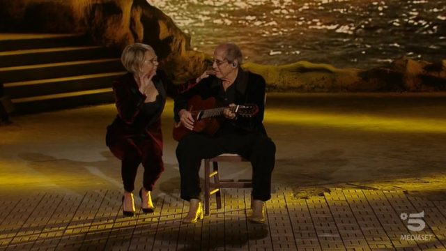 Adrian diretta 14 novembre - Maria De Filippi fa cantare Adriano Celentano