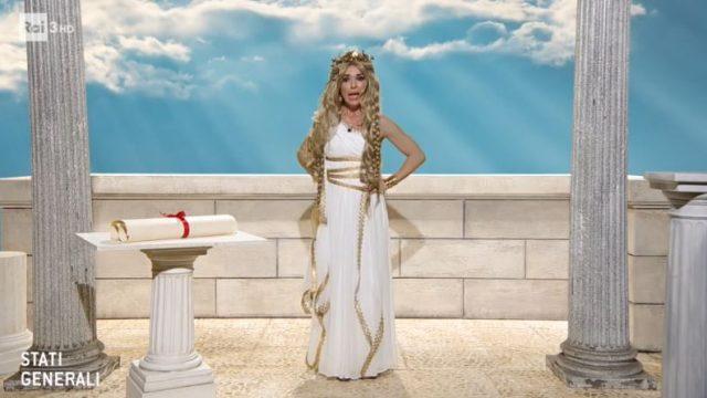 Sabrina Impacciatore nei panni di Elena di Troia