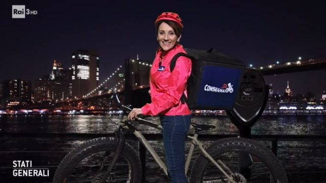Lucia Ocone è Winona la Rider parla dello sfruttamento dei fattorini