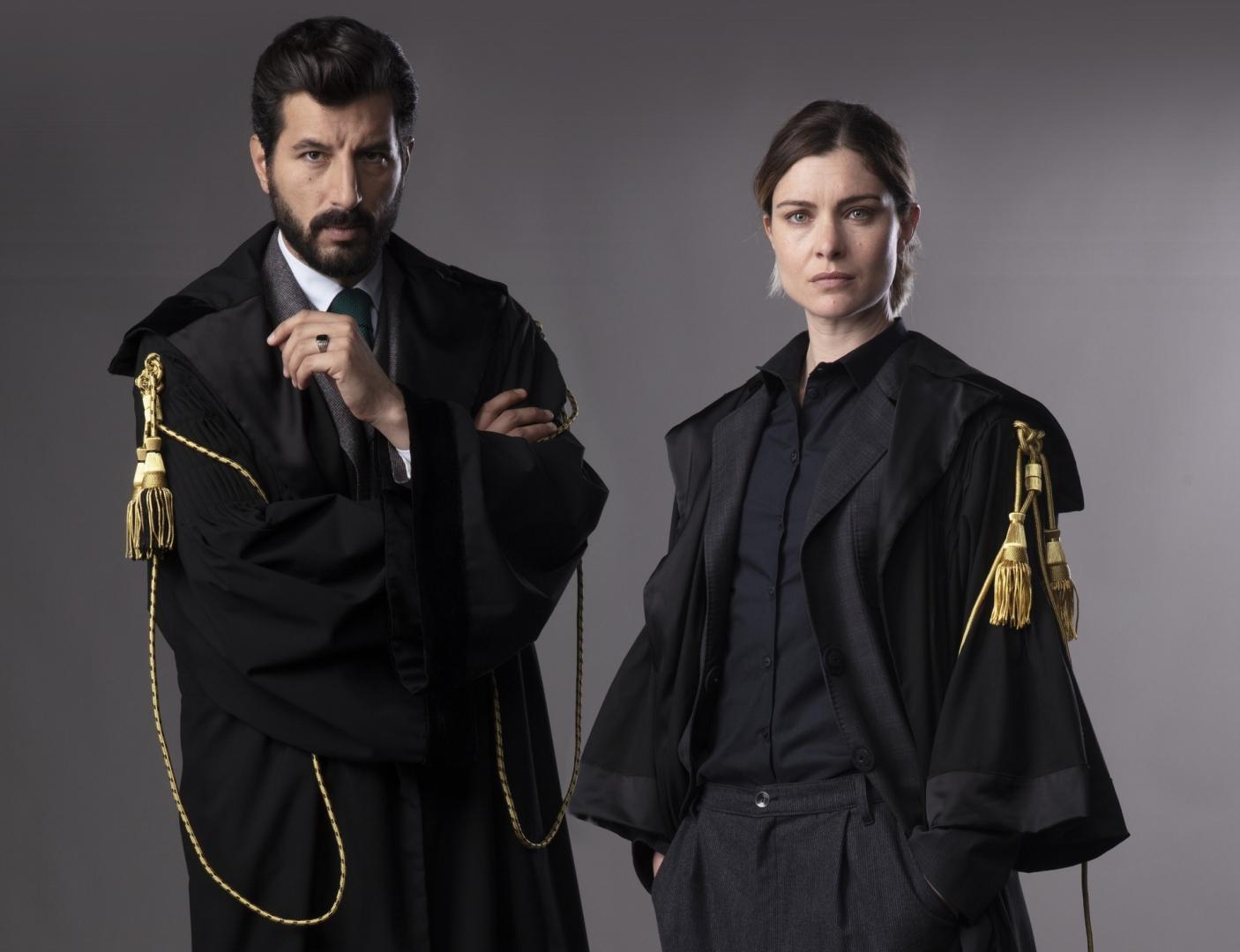 Il processo puntata 29 novembre Vittoria Puccini e Francesco Scianna