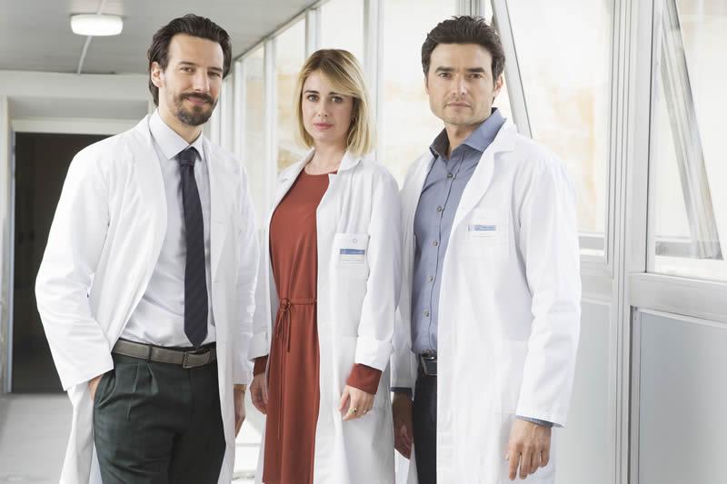 Oltre la soglia Alessandro Tedeschi (Francesco), Nina Torresi (Barbara) e Paolo Briguglia (Alessandro)