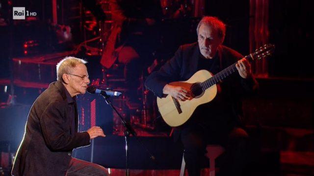 Una storia da cantare diretta 30 novembre - Roberto Vecchioni canta Emozioni