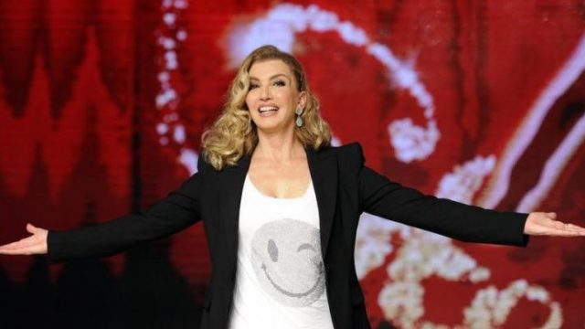Palinsesto Rai 1 Canale 5 - Milly Carlucci