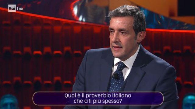 20 anni che siamo italiani diretta 6 dicembre - Flavio Insinna conduce il quiz di puntata