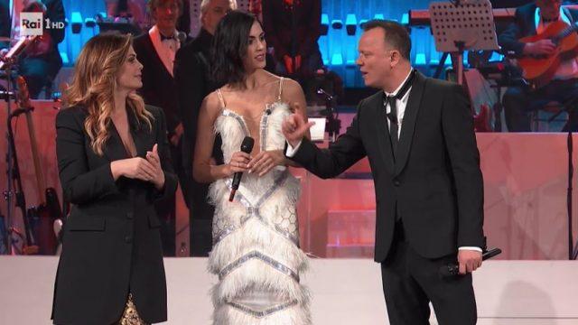 20 anni che siamo italiani diretta 6 dicembre - Ospite Rocío Muñoz Morales canta Guantanamera