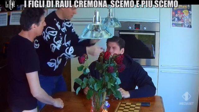 Le Iene Show 10 dicembre - Scherzo Raul Cremona