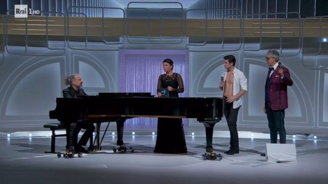 Danza con me Roberto Bolle - Stefano Bollani con Andrea Bocelli, Con te partirò, Roberto Bolle balla con Nicoletta Manni