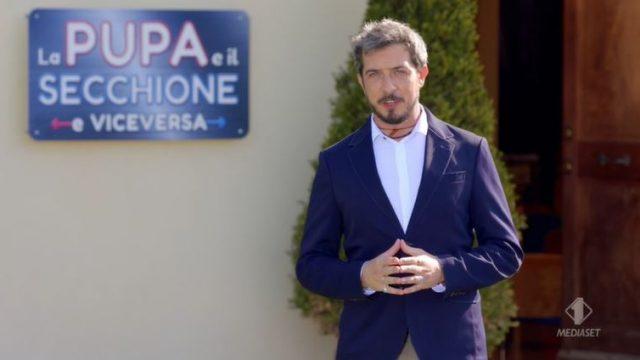 La pupa e il secchione e viceversa Diretta 7 gennaio - Paolo Ruffini presenta i concorrenti e arriva la Regina delle Pupe Valeria Marini