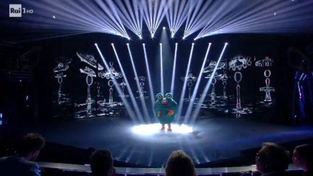 Il cantante mascherato 24 gennaio - Il mostro canta Shallow
