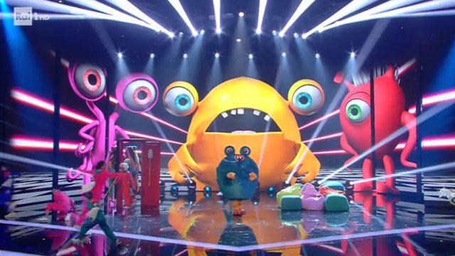 Il cantante mascherato 17 gennaio diretta - L'esibizione del mostro