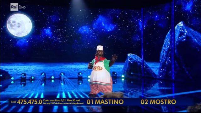 Il cantante mascherato 24 gennaio diretta - Il duello finale tra il mastino napoletano e il mostro