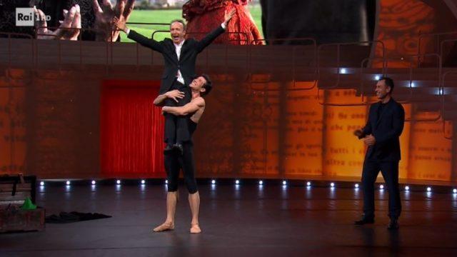 Danza con me Roberto Bole - La presa con Roberto Benigni
