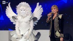 Il cantante mascherato 17 gennaio diretta - Seconda puntata con Milly Carlucci