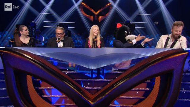 Il cantante mascherato diretta 31 gennaio - La giuria pronta per la finale