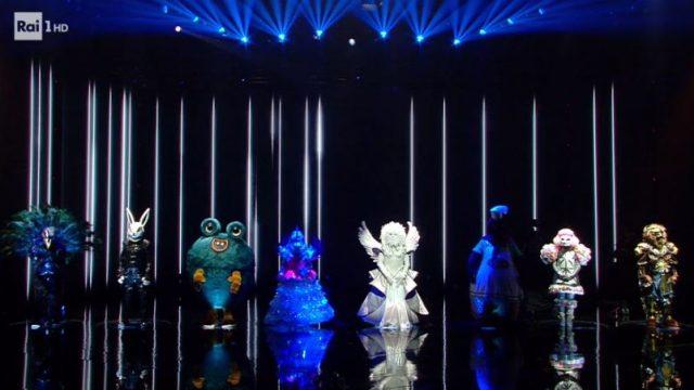 Il verdetto dei social network e le scelte della giuria a Il cantante mascherato per la seconda puntata - Spareggio tra l'unicorno e il mastino napoletano