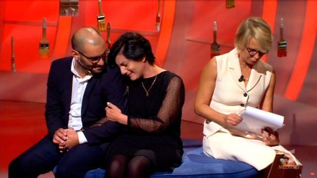 Marisa e Saverio mentre Maria De Filippi legge la lettera di Andrea
