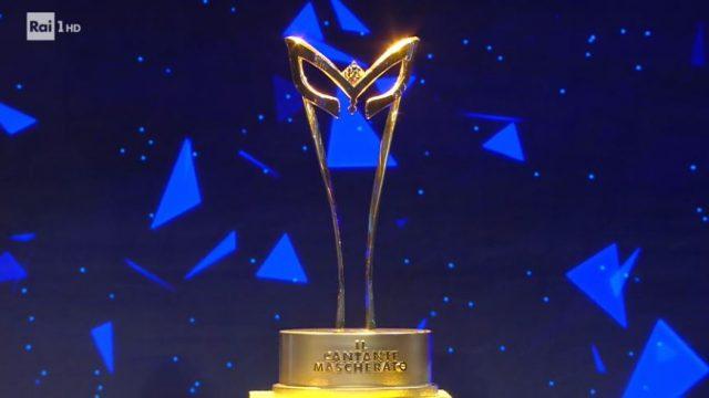 Il cantante mascherato diretta 31 gennaio - Il trofeo, la maschera d'oro