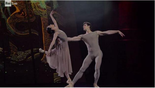 Danza con me Roberto Bolle - La Diretta dello spettacolo di Rai 1
