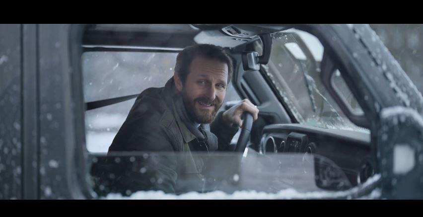 Spot in Tv Jeep il papà lascia il bambino davanti alla scuola