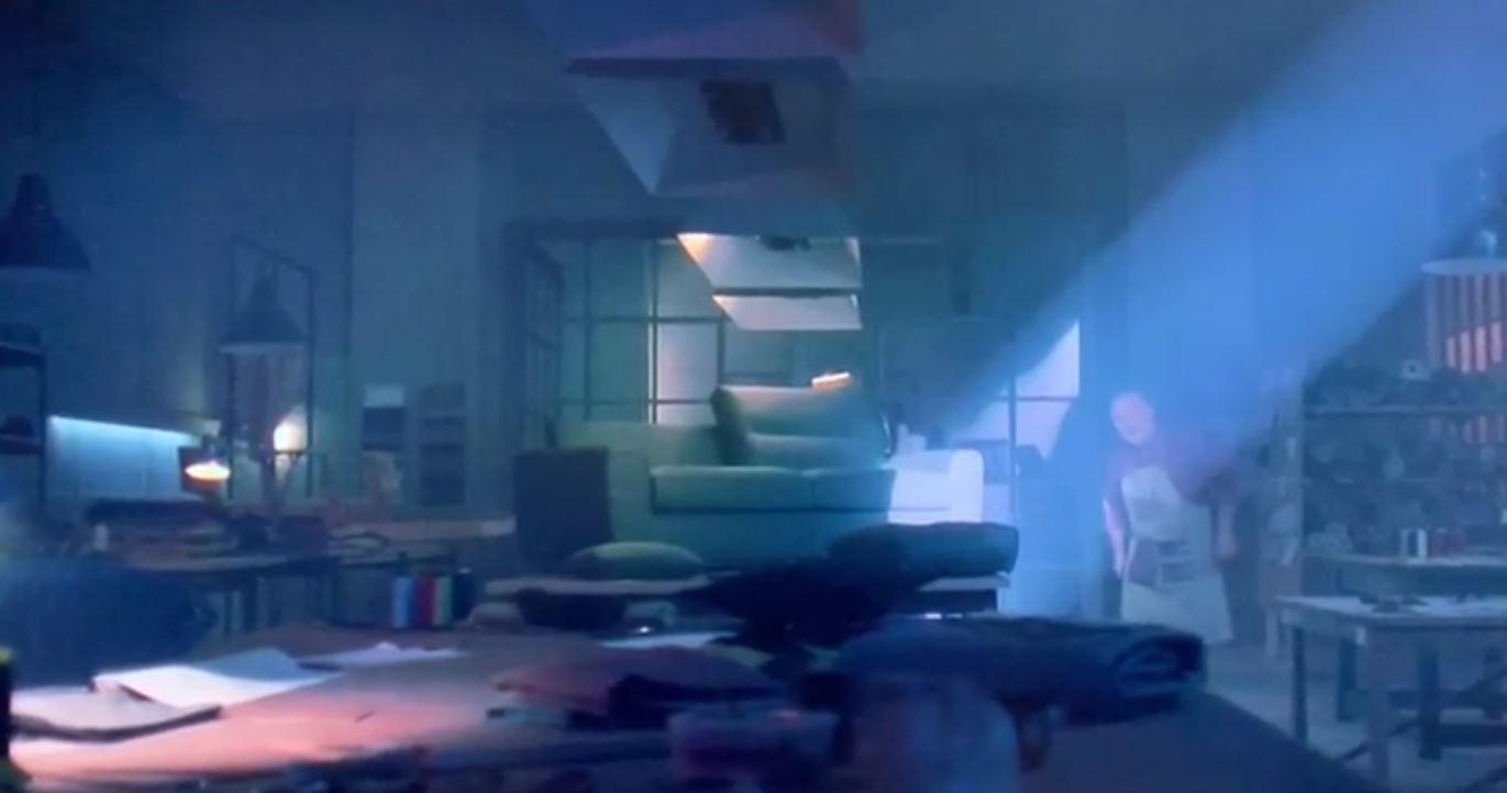 Spot in Tv Poltronesofà cono di luce