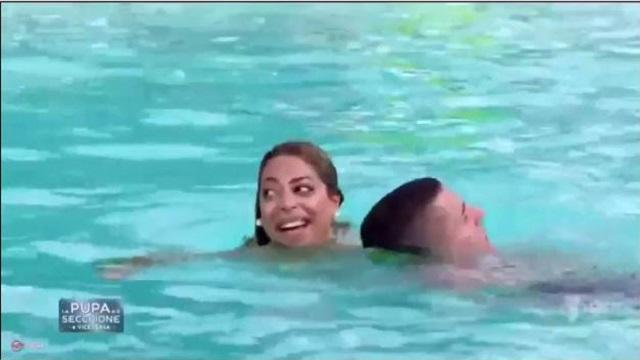 La pupa e il secchione e viceversa diretta 21 gennaio piscina