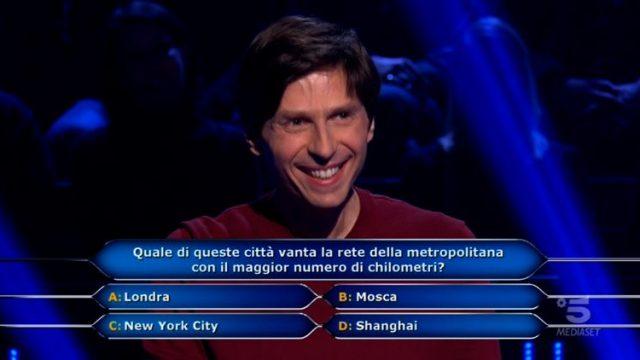 Chi vuol essere milionario diretta 12 febbraio - La domanda numero otto di Alessandro Limiroli