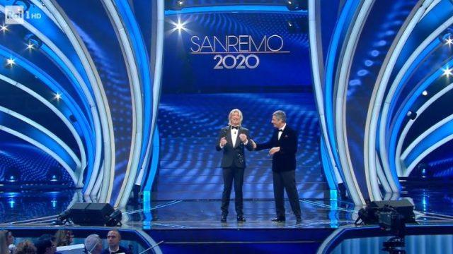 Sanremo 2020 quinta serata 8 febbraio - Amadeus imita Maria De Filippi