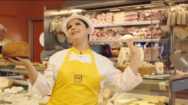 Spot in TV MD con Antonella Clerici - l'addetta al reparto salumeria