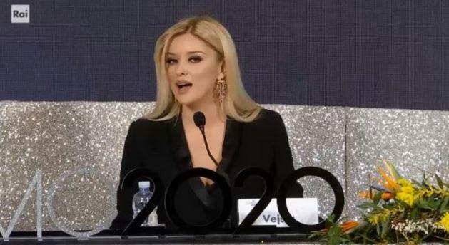 Sanremo 2020 terza serata 6 febbraio - Chi sono le conduttrici Georgina Rodriguez e Alketa Vejsiu
