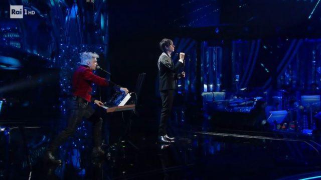 """Bugo e Morgan a Sanremo 2020 cantano """"Sincero"""""""