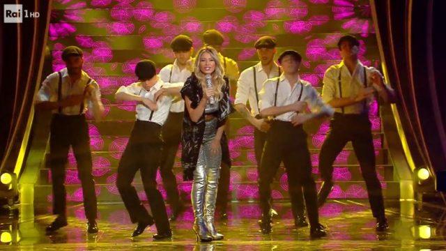 Sanremo 2020 look 8 febbraio Diletta Leotta canta Ciuri Ciuri in versione hip hop