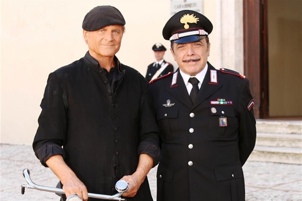 Don Matteo 12 episodio Non uccidere Terence Hill e Nino Frassica