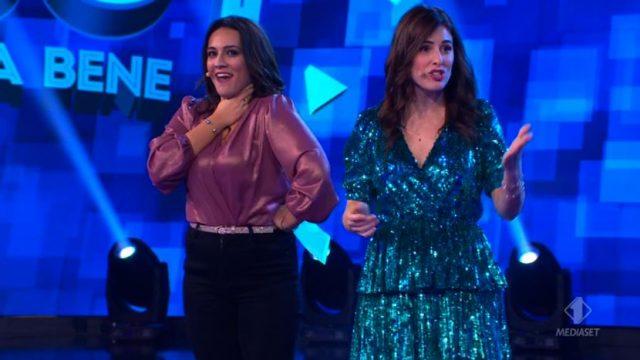 Enjoy ridere fa bene diretta 9 febbraio - Francesca Manzini imita Simona Ventura - La sfida tra i capi squadra