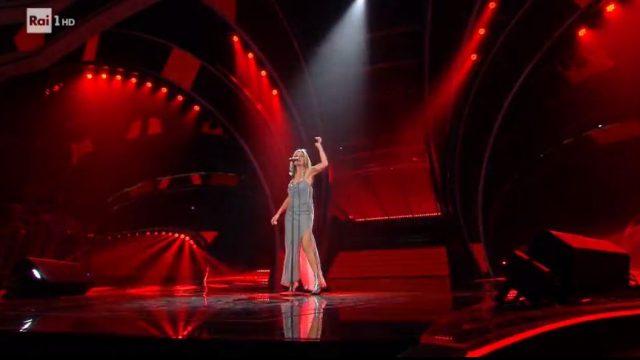 Sanremo 2020 look 8 febbraio Irene Grandi