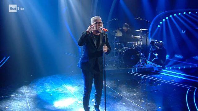L'esibizione di Michele Zarrillo apre la finale di Sanremo 2020