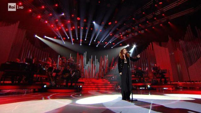 Una Storia da cantare 2 diretta 15 febbraio - Noemi canta Vita spericolata di Vasco Rossi - Patty Pravo ...E dimmi che non vuoi morire
