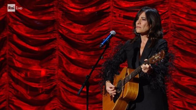 Una storia da cantare 2 diretta 15 febbraio - Paola Turci canta Dio come ti amo di Modugno
