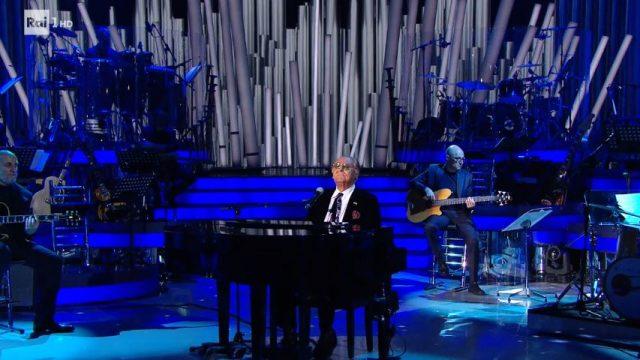 Renzo Arbore canta Ciao ciao bambina di Domenico Modugno