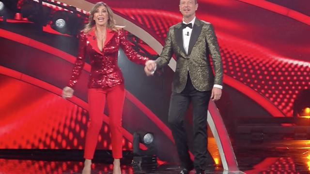 Sanremo 2020 look seconda serata 5 febbraio Sabrina Salerno