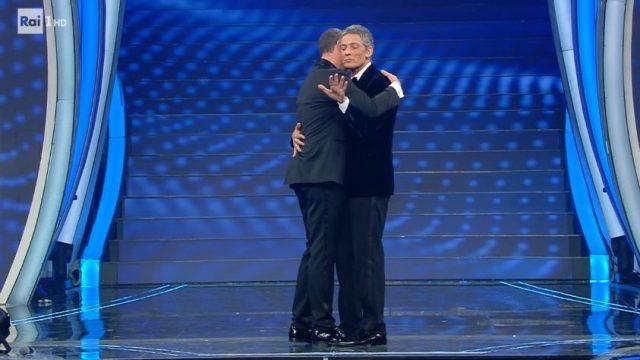 Sanremo 2020 diretta quinta serata 8 febbraio - Fiorello e Amadeus ballano un lento