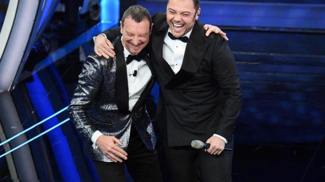 Sanremo 2020 look prima serata 4 febbraio Tiziano Ferro