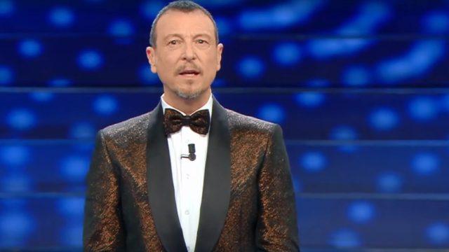 Sanremo 2020 look seconda serata 5 febbraio Amadeus