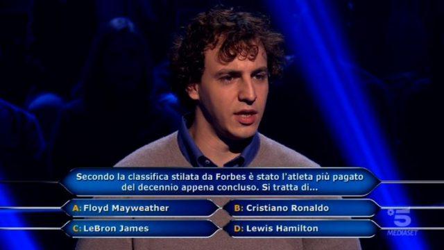 Chi vuol essere milionario diretta 26 febbraio - Brenno supera il primo traguardo e risponde alla sesta domanda