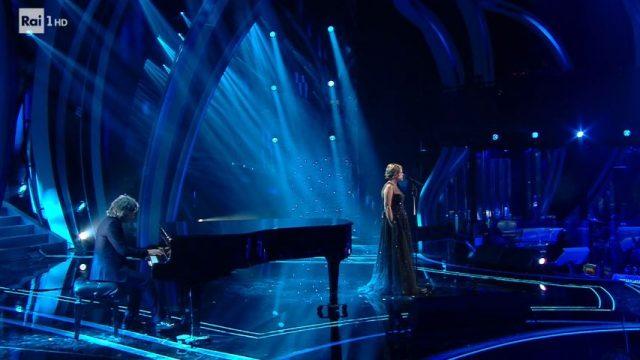 Sanremo 2020 diretta finale 8 febbraio - Tosca canta Ho amato tutto - Francesco Gabbani canta Viceversa